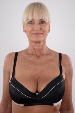 Sexy Granny Pussy Pics