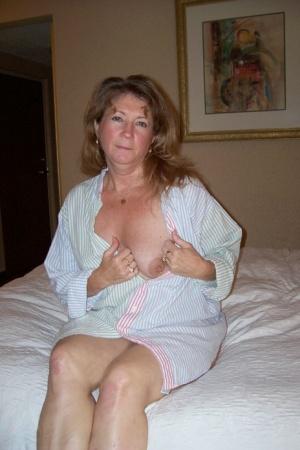Amateur Granny Pussy Pics