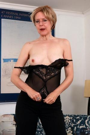 Granny Small Tits Pics