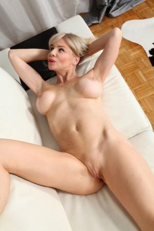 Nude Granny Pussy Pics