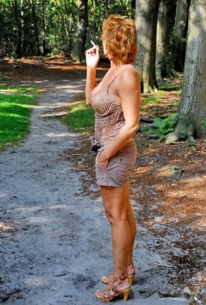 Granny In Shorts Pics