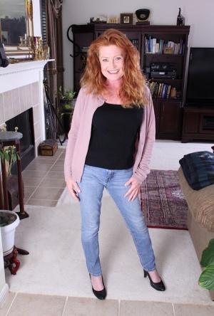 Granny In Jeans Pics