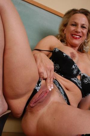 Hot Granny Cunt Pics