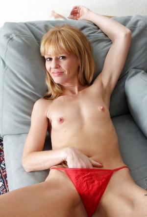 Granny Masturbating Pics