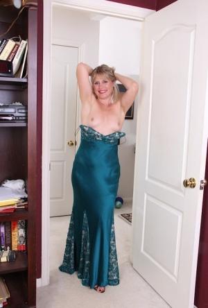 Granny Undressing Pics