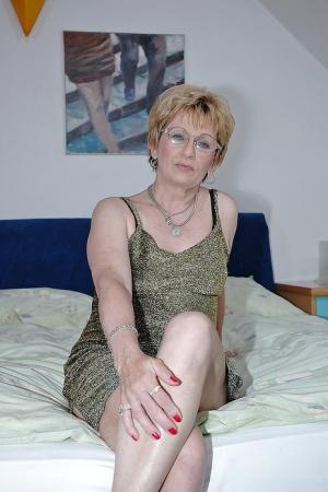 Granny With Glasses Pics