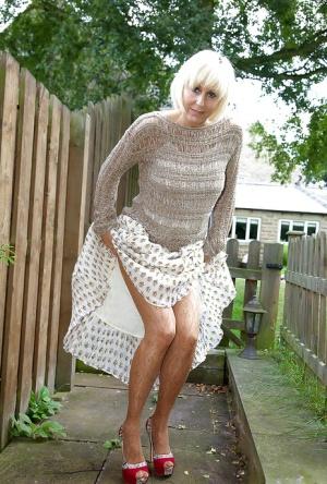 Granny Upskirt Pics